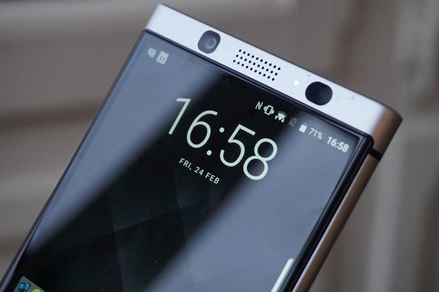BlackBerry KEYone Seflie Camera