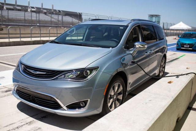 2017 TAWA Texas Auto Roundup Family Car of Texas 2017 Chrysler Pacifica Hybrid