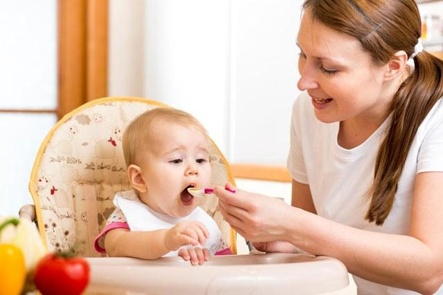 The Ideal Meal And Snack Plan For A 12-Month Baby