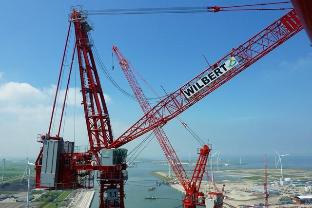 Loading Cranes: The Advantage Of Having Them On The Construction Site