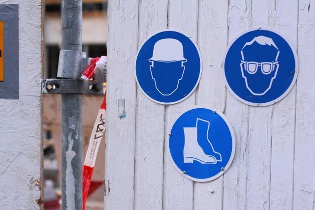 Mandatory Get-Ons: All That You Need To Wear On The Construction Site