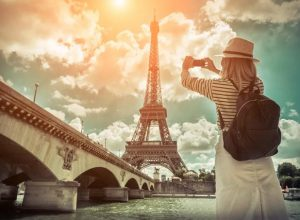 How to Travel Cheap in France - Where to Go and what to Do